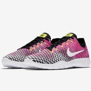 🍀New🍀 NIKE Free TR Flyknit 2 ~ size 10